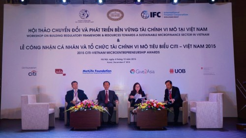 Phó Thống đốc NHNN Nguyễn Phước Thanh tới dự và phát biểu khai mạc Hội thảo.
