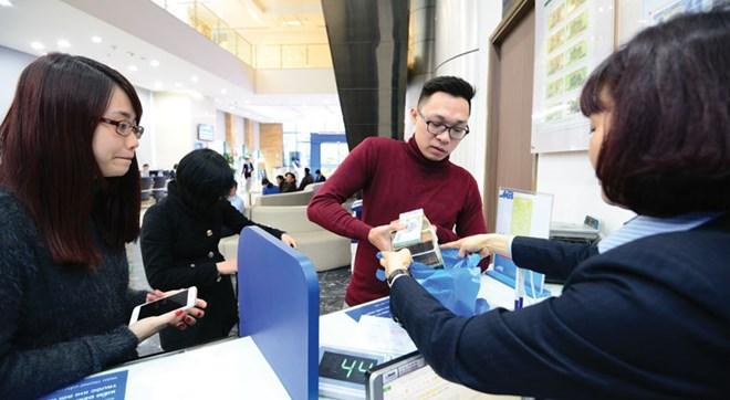 Tăng trưởng tín dụng toàn hệ thống cả năm 2015 ước đạt khoảng 18% ------------ Xem thêm: Tín dụng tăng mạnh, sau niềm vui là…, http://vietbao.vn/Kinh-te/Tin-dung-tang-manh-sau-niem-vui-la/199140497/90/ Tin nhanh Việt Nam ra thế giới vietbao.vn