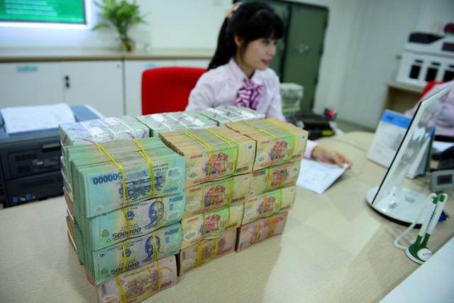 Cuộc đua tăng lãi suất tiền gửi của nhiều nhà băng bắt đầu vào giai đoạn nóng