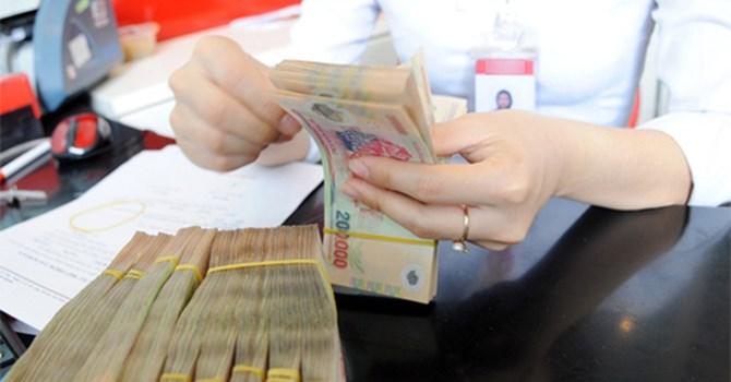 Dân Việt ngày càng giàu ngân hàng trúng lớn