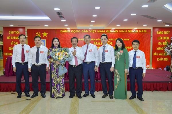 Ban Chấp hành Đảng bộ NHHT nhiệm kỳ 2020 - 2025 ra mắt đại hội